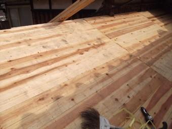 新規屋根板重ね止め