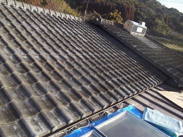 神埼市にてイタチ等の出入りしてた箇所の補修屋根工事と葺き替え