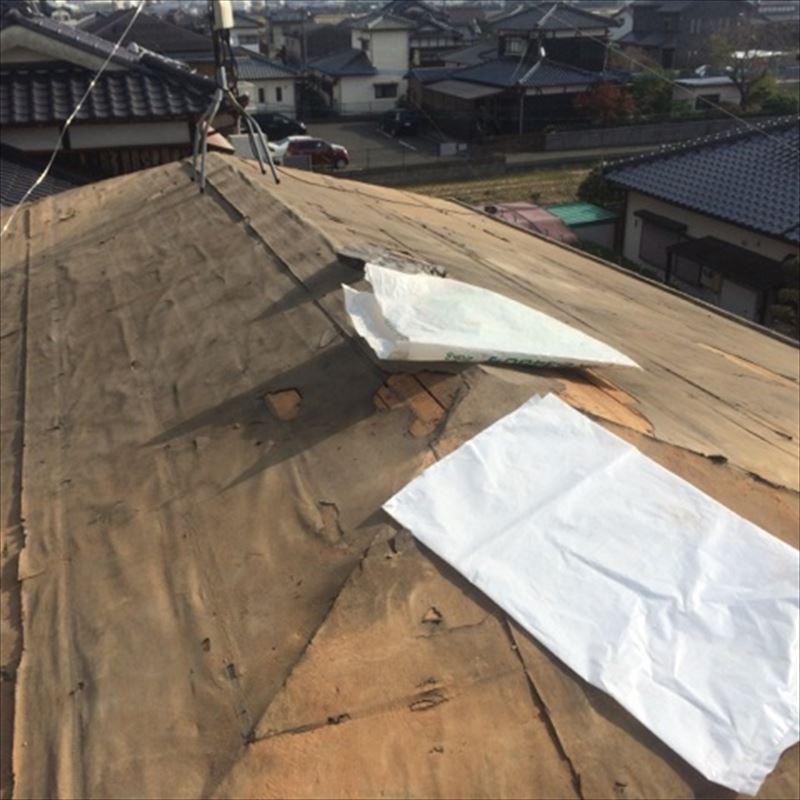セメント瓦撤去後の屋根下地状況